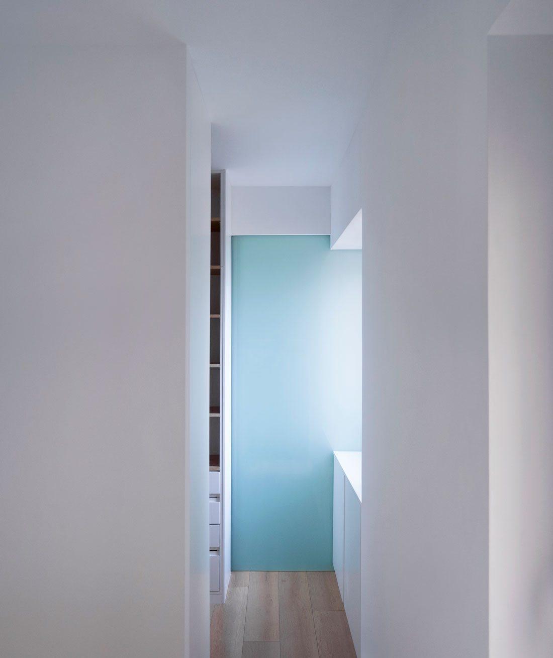 casa uno. imagen hacia el vestidor y baño.