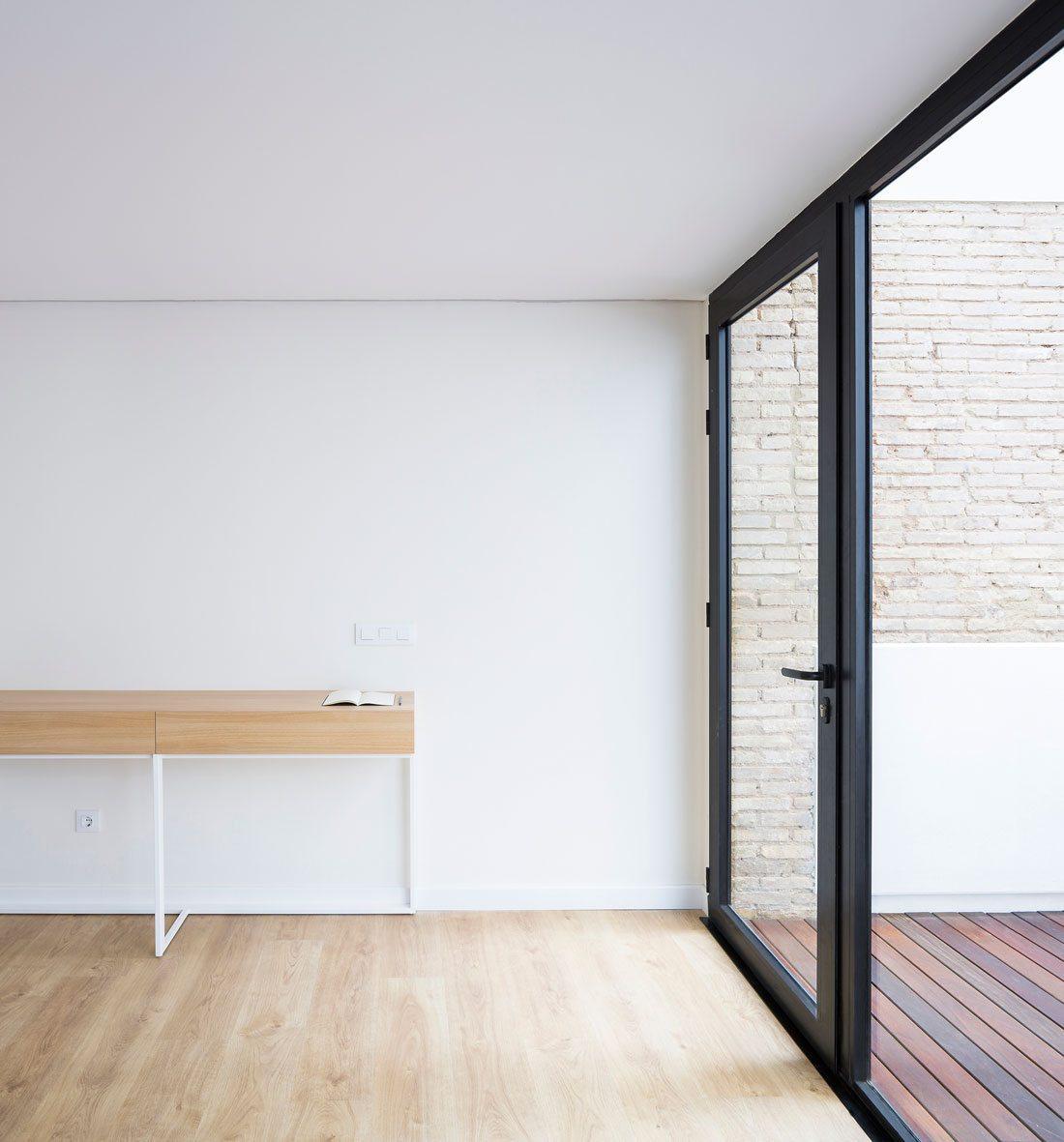 Interiorismo-valencia-reforma-adencia_de_viajes. diseño_de_interiores.