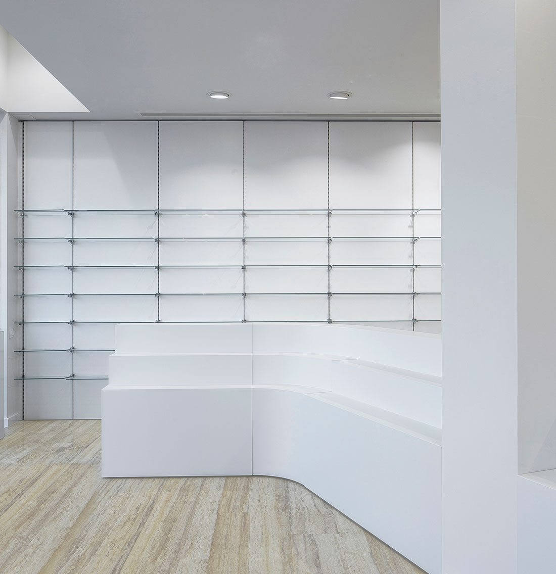La nucia Pharmacy-interior-shelving-minimal-organic