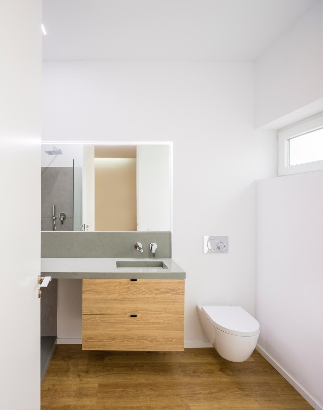 reforma ático babel arquitecto valencia foto daniel rueda cuerda cuarto baño silestone